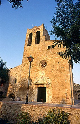 Parish church. Medieval village. Pals. Girona province. Spain : Stock Photo