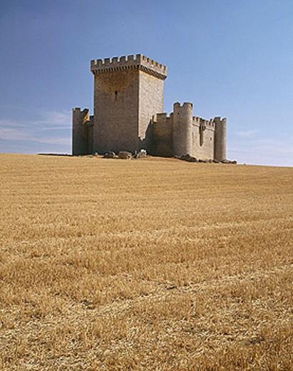 Stock Photo: 1566-276865 Castle (15th century), Villalonso. Zamora province, Castilla-León, Spain