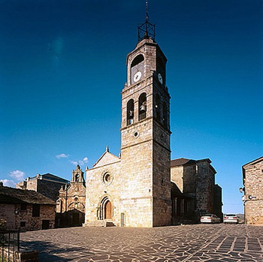 Romanesque church of Nuestra Señora del Azogue, Puebla de Sanabria. Zamora province, Castilla-León, Spain : Stock Photo