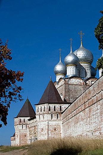 West wall and towers (mid-16th century), Borisoglebsky monastery, Borisoglebsky. Golden Ring, Russia : Stock Photo