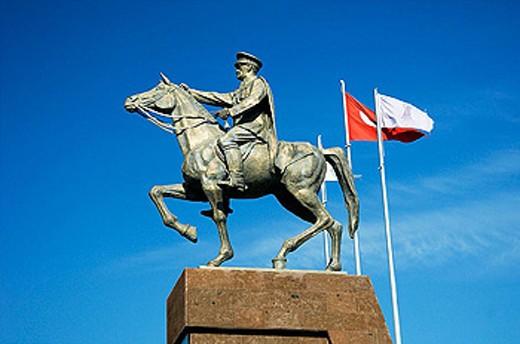 Stock Photo: 1566-285060 Ataturk on horse monument near the vity of Sivrihisar, Turkey.