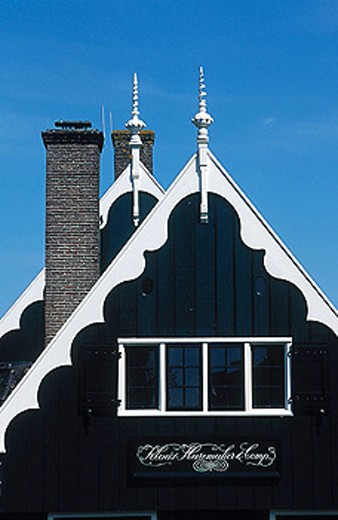 House gable, Volendam. Holland : Stock Photo