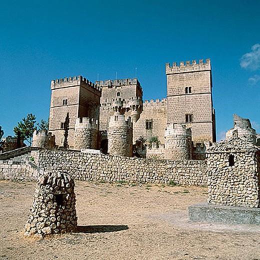 Castle, built 15th century. Ampudia. Palencia province, Spain : Stock Photo