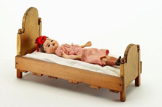 Stock Photo: 1566-290380 Old doll