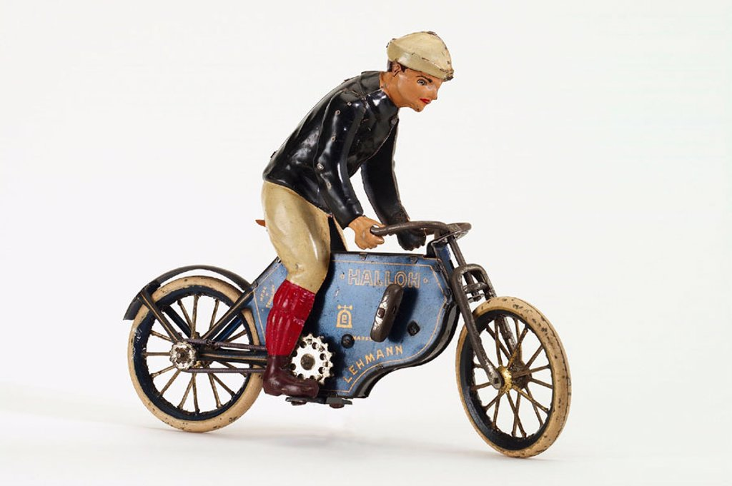 Stock Photo: 1566-290385 Old tin toy