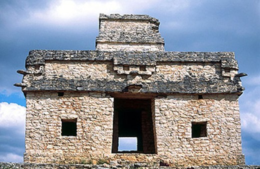 Stock Photo: 1566-292619 Temple of the Seven Dolls in Dzibilchaltun. Yucatan. Mexico