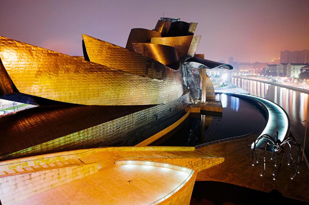 Stock Photo: 1566-293296 Guggenheim Museum by Frank O. Gehry. Bilbao, Biscay. Euskadi, Spain