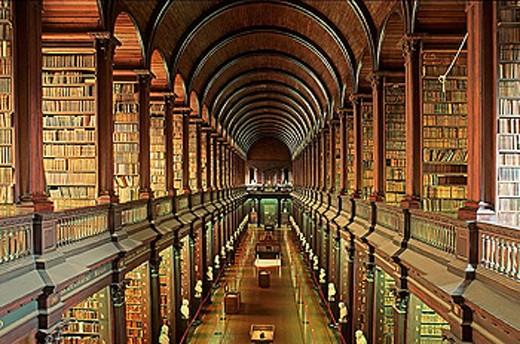 Stock Photo: 1566-293926 Old Library. Trinity College. Dublin. Ireland.