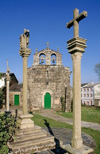 Stock Photo: 1566-294253 Church and calvary, Begonte. Lugo province, Galicia, Spain