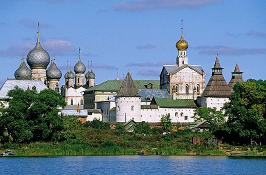 Stock Photo: 1566-295611 The Kremlin by Lake Nero, Rostov the Great. Golden Ring, Russia