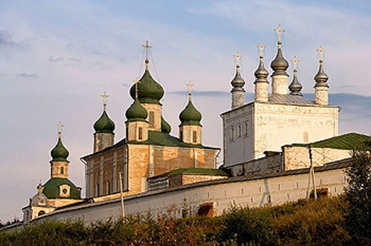 Stock Photo: 1566-295790 Cathedral of the Assumption (mid-18th century) and Church of All Saints, Goritsky Monastery (17th-18th centuries), Pereyaslavl-Zalessky. Golden Ring, Russia
