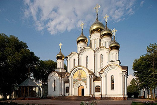 Stock Photo: 1566-295816 Monastery of St. Nicholas: cathedral of St. Nicholas (late 17th century), Pereyaslavl-Zalessky. Golden Ring, Russia
