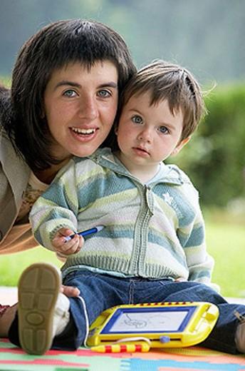 Stock Photo: 1566-301220 Mother and daughter. Gipuzkoa, Euskadi. Spain.
