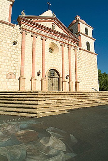 Church (1820) of Santa Barbara Franciscan Mission (aka Queen of the Missions for its graceful beauty. Founded in 1786, destroyed by earthquake in 1925 and restored in 1927 and 1953). El Camino Real - The King´s Highway. Santa Barbara. California. USA. : Stock Photo