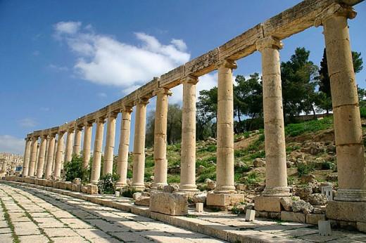 Stock Photo: 1566-304225 Oval forum, archaeological site of Jerash. Jordan