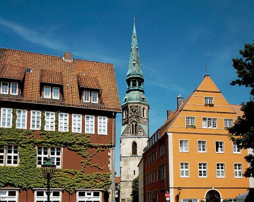 Stock Photo: 1566-306382 Old town view of Hanover, houses in the Ballhof Street and in the Cross Street and Cross Church Saint Crucis, burial place of the donor and entrepreneur Johann Duve. Hanover, Lower Saxony , Germany