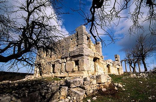 Temple of Tyche (100 a.C.). Uzuncaburç (Diocesarea). Silifke. Eastern mediterranean sea. Turkey. : Stock Photo