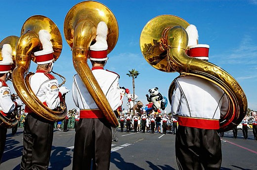 Stock Photo: 1566-319810 Sousaphone players practicing before the Big Bay Balloon Parade. San Diego, California.