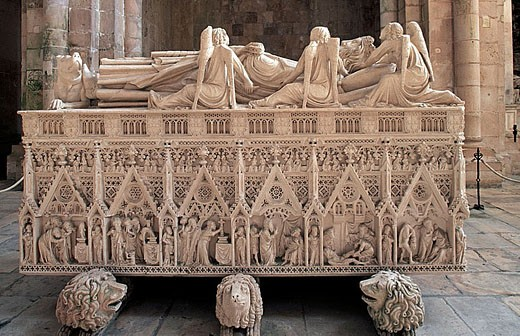 Stock Photo: 1566-320119 Tomb of King Peter I of Portugal in St. Mary´s Monastery, Alcobaça. Leiria, Portugal