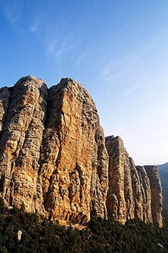 Stock Photo: 1566-324346 Peñas de Masmut. Peñarroya de Tastavins. Teruel province. Aragon. Spain.