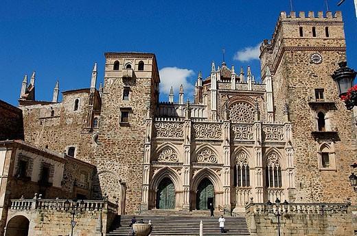 Monasterio de Nuestra Señora de Guadalupe. Guadalupe. Cáceres province, Extremadura, Spain : Stock Photo