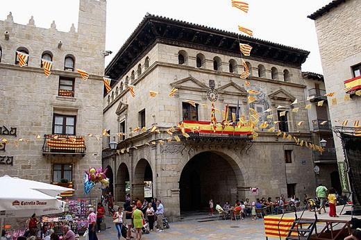 Stock Photo: 1566-331278 Main Square, Valderrobres. Matarraña, Teruel province, Aragón, Spain