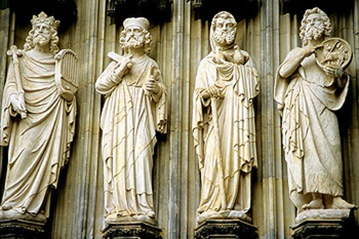 Germany, Rhineland-Westphalia, Cologne, Cathedral entrance, statues : Stock Photo