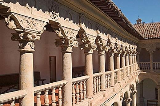 Stock Photo: 1566-332422 Cloister of Convento de las Dueñas, Salamanca. Castilla-León, Spain