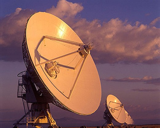 Stock Photo: 1566-334478 Radio telescope / satellite dishes: (vlart)san augustine plain, New mexico, USA.
