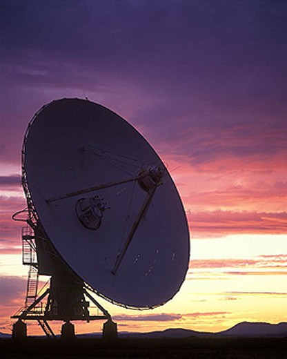 Radio telescope / satellite dishes: (vlart)san augustine plain, New mexico, USA. : Stock Photo