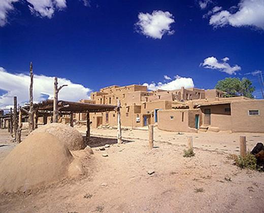 Stock Photo: 1566-334517 Adobe buildings, Taos pueblo, Taos, New mexico, USA.