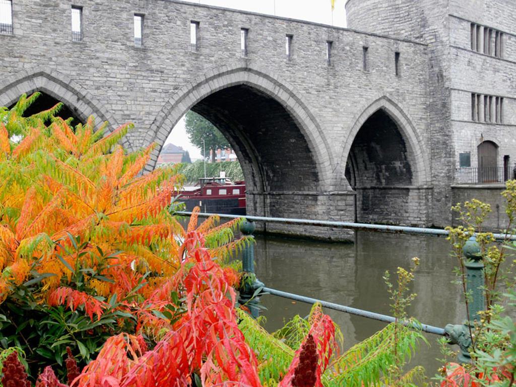 Pont des Trous bridge over Escaut river. Tournai. Hainaut, Belgium : Stock Photo