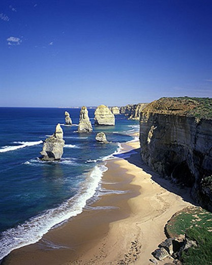 Stock Photo: 1566-341544 Scenic twelve apostles, Port campbell national park, Victoria, Australia.