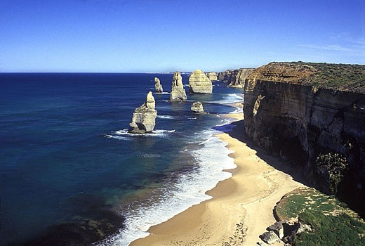 Stock Photo: 1566-341546 Scenic twelve apostles, Port campbell national park, Victoria, Australia.