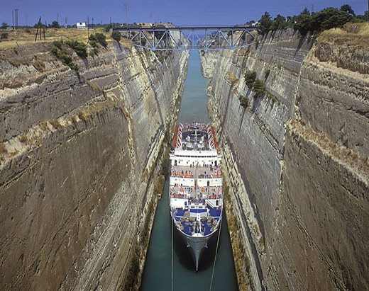 Cruise ship, Corinth canal, Isthmus of corinth, Greece. : Stock Photo