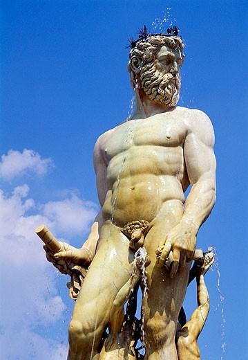 ´Il Biancone´, statue of Neptune by Bartolomeo Ammannati in Piazza della Signoria, Florence. Tuscany, Italy : Stock Photo