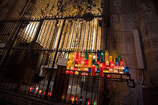 Stock Photo: 1566-345201 Candles in Santa Maria del Mar Church. Barcelona. Catalonia. Spain