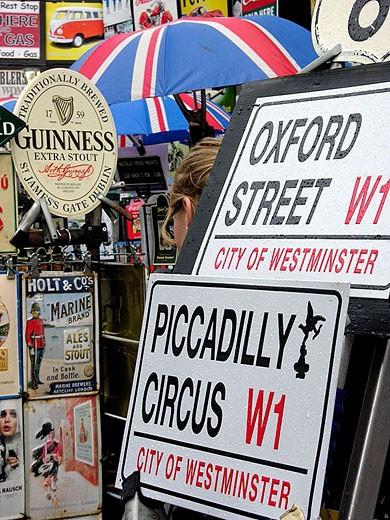 Stock Photo: 1566-347442 Souvenirs, London, England