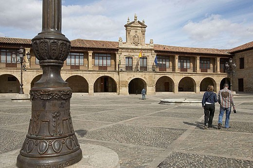 Town hall. Plaza Mayor. Santo Domingo de la Calzada, La Rioja. Spain. : Stock Photo