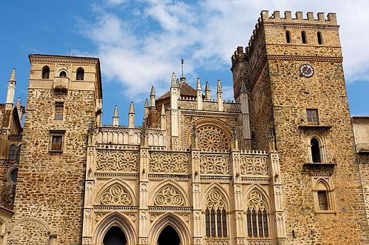 Royal Monastery (14th century) now Parador Nacional (state-run hotel), Guadalupe. Cáceres province, Extremadura, Spain : Stock Photo