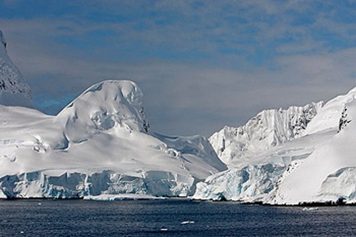 Neumeyer Channel. Antartic Peninsula : Stock Photo