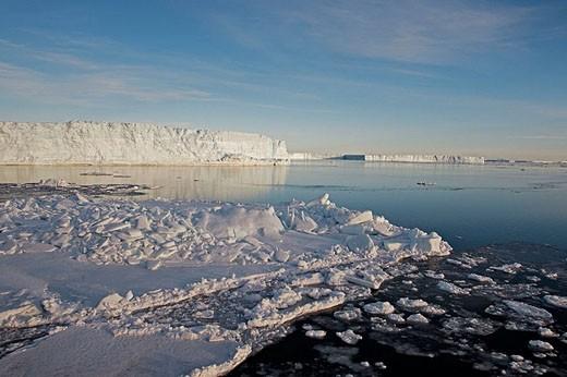Stock Photo: 1566-355694 Iceberg. Antarctica.