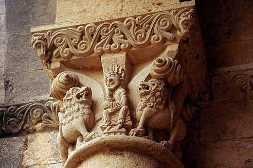 Stock Photo: 1566-355977 Romanique Abbey of La Sauve Majeure. Capitel representing Daniel with the Lions. Gironde. France.