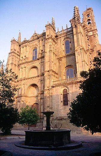 Stock Photo: 1566-357797 New cathedral, Plasencia. Cáceres province, Extremadura, Spain