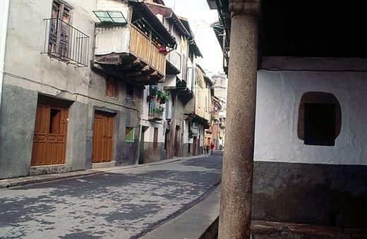 Stock Photo: 1566-357860 Chorrillo street. Garganta la Olla. Cáceres province. Extremadura. Spain.