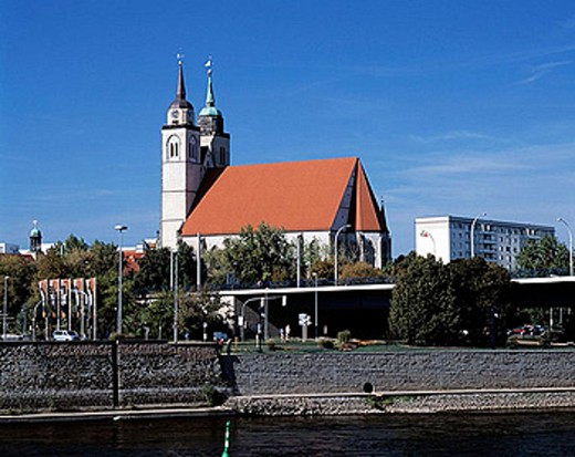 Stock Photo: 1566-364032 Germany, Magdeburg, Elbe, Saxony-Anhalt, Elbe promenade and Johannis Church, Late Gothic