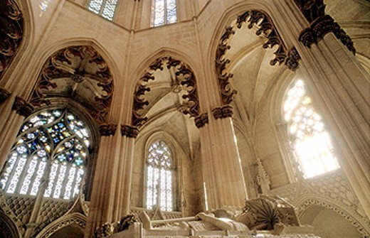 Stock Photo: 1566-365552 Portuguese Gothic masterpiece and classified in UNESCO´s International Heritage list, the Santa Maria da Vitória Monastery (14th-16th centuries) is a national landmark. Batalha. Center region. Portugal