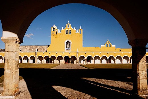 Stock Photo: 1566-367015 Convent of San Antonio de Padua, Izamal. Yucatán, Mexico