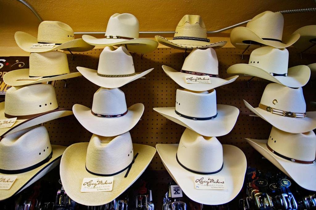 Hats in old Tombstone, America´s gunfight capital. Arizona, USA : Stock Photo