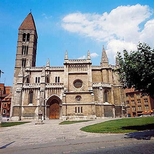 Church of Santa Maria la Antigua, Valladolid. Castilla-Leon, Spain : Stock Photo